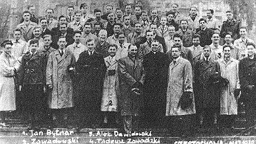 Przedmaturalna pielgrzymka klasy Rudego, Alka i Zośki na Jasną Górę, maj 1939 rok.