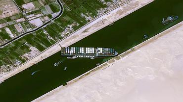 Zablokowany Kanał Sueski przez kontenerowiec Ever Given