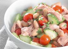 Lekka sałatka z tuńczykiem i fasolą - ugotuj