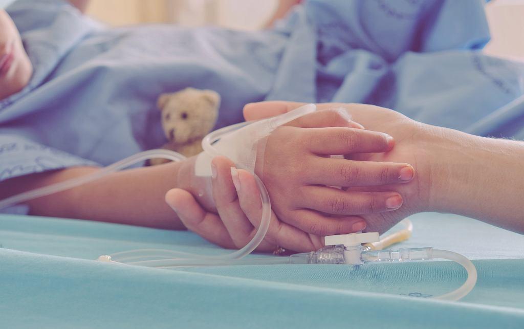 Choroba Kawasakiego u dzieci objawia się przede wszystkim zapaleniem dużych naczyń wieńcowych. Zdjęcie ilustracyjne, Beenicebeelove/shutterstock.com