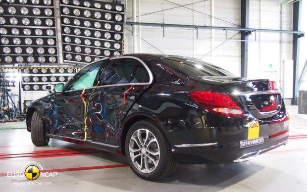 Mercedes C Klasa - testy zderzeniowe Euro NCAP zaliczone na 5 gwiazdek