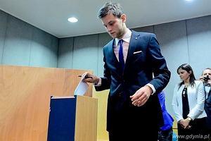 27-letni asystent posła PiS został prezesem spółki portowej
