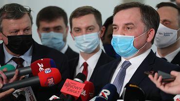 Solidarna Polska przeciwko Funduszowi Odbudowy (na zdjęciu: politycy Solidarnej Polski)