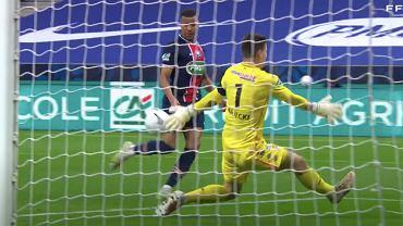 Radosław Majecki (AS Monaco) w finale Pucharu Francji przeciwko PSG (moment straty drugiego gola). Źródło: FFF.tv / YouTube