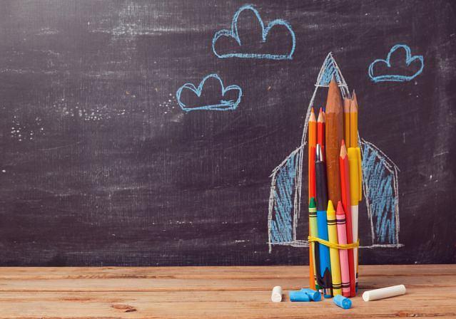 Początek roku szkolnego to stresujący okres dla całej rodziny. Zwłaszcza jeśli to pierwszy rok szkolny dziecka. Jak radzić sobie z emocjami własnymi i dziecka?