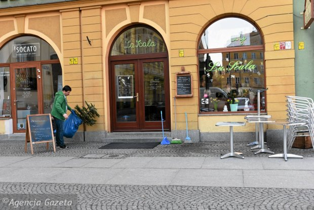 Zdjęcie numer 60 w galerii - Ogródki restauracyjne pierwsze tej wiosny i te przedwojenne [ARCHIWALNE ZDJĘCIA]