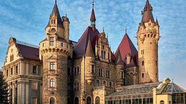 Zamek Moszna - pałac jak z bajki ma 99 wież i wieżyczek. Ile zapłacimy za bilet?