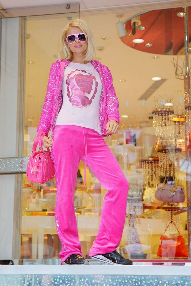 Paris Hilton w dresie marki Juicy Couture