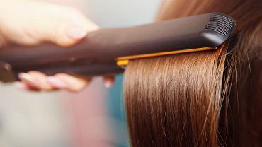 Keratynowe prostowanie włosów. Ratunek dla włosów zniszczonych czy najgorsze, co możemy in zafundować?