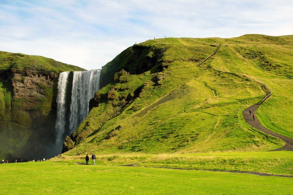 Wodospad Skógafoss, Islandia / fot. Shutterstock