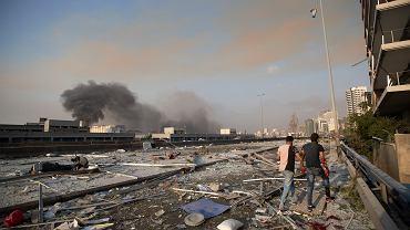 Liban. Potężna eksplozja w Bejrucie. Nad miastem unosi się słup dymu