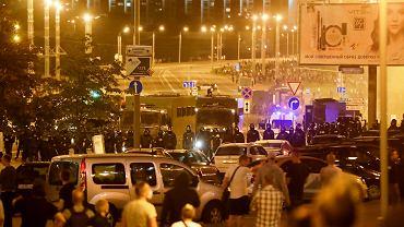 Powyborcze protesty na Białorusi. Ciężarówka milicji wjechała w protestujących