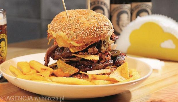 05.02.2015  Katowice . Bar z hamburgerami Mad Mick i najlepsze danie MadMickultimate . Fot. Grzegorz Celejewski / Agencja Gazeta