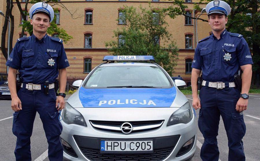 Policjanci eskortowali ciężarną do szpitala w Poznaniu