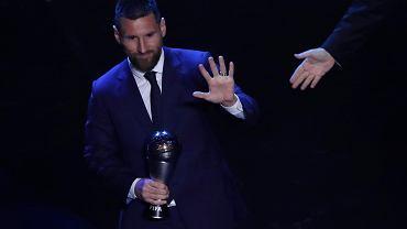 Leo Messi odbierający nagrodę FIFA w 2019 r.