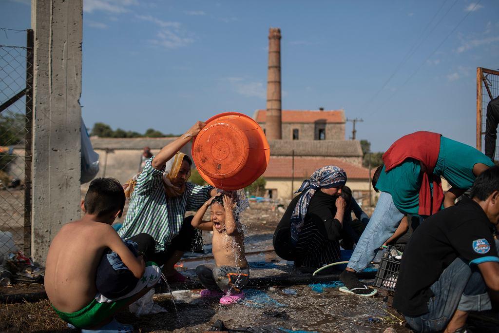 Uchodźcy z Morii po pożarze przenieśli się m.in. pod miejscowość Mytilene