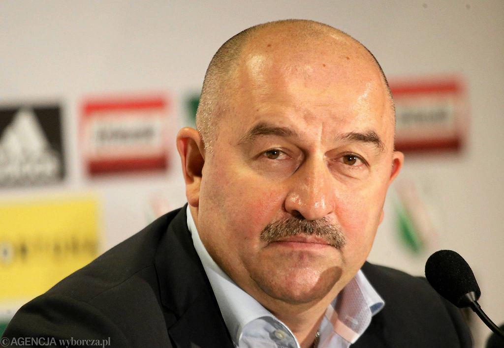 Stanisław Czerczesow na konferencji prasowej w Legii