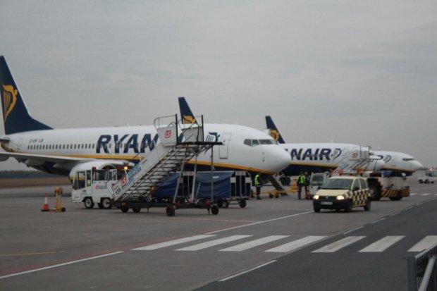 Ryanair poprawia wyniki i korzysta z taniejącej ropy