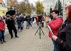 Pikieta w Olsztynie przeciw zakazowi edukacji seksualnej [FOTO]