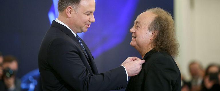 Muzyk przyjął medal od Andrzeja Dudy, przez krytykę go odda