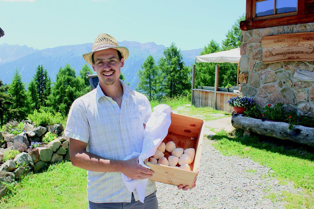 Ser prosto od farmera? Znaleźć takie miejsce w Południowym Tyrolu to żadna filozofia.