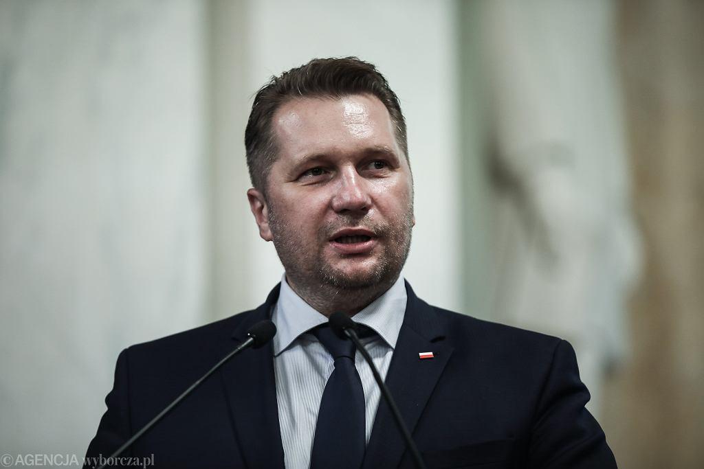 Przemysław Czarnek zapowiada podwyżki dla nauczycieli i mniej biurokracji. 'Akt prawny już gotowy'