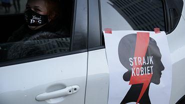 Protest Ogólnopolskiego Strajku Kobiet w Warszawie.