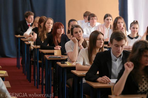 Matury 2018. Każdy z tegorocznych maturzystów musi przystąpić do dwóch egzaminów ustnych i czterech pisemnych.