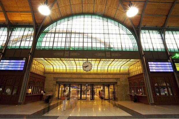 Kup sobie dworzec od PKP. Rusza ogromna prywatyzacja - co można kupić i za ile?