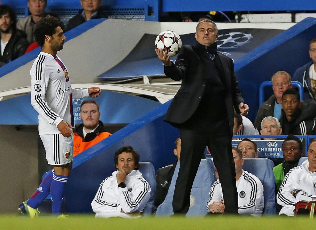 Jose Mourinho - Władca Piłki. No, tak jakby... Przecież Chelsea przegrała u siebie z FC Basel 1:2 (do przerwy było 0:1).