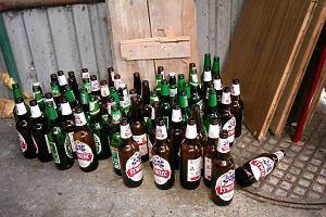 Prawie o połowę rośnie kaucja za butelki zwrotne po piwie. Odczują to sklepy i konsumenci