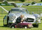 Własne auto oraz brak limitu prędkości to dla Niemców przyczółki wolności, których nie oddadzą