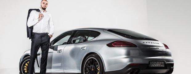 Marcin Gortat w Porsche Panamera GTS