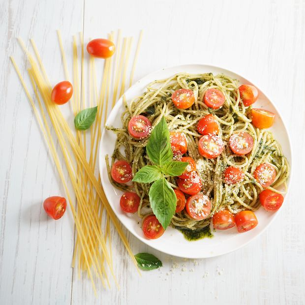 Makaron z pesto - dwa przepisy na prosty obiad na każdy dzień