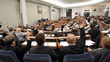 In vitro - Senat przyjął ustawę regulującą zapłodnienie pozaustrojowe