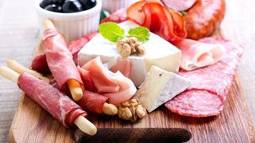 Kwasy tłuszczowe nasycone to jedna z grup kwasów tłuszczowych, które występują głównie w produktach pochodzenia zwierzęcego