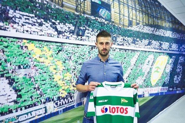 Grzegorz Kuświk nowym piłkarzem Lechii