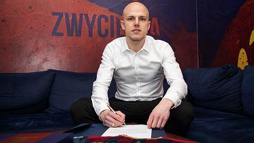 Rafał Kurzawa podpisał kontrakt z Pogonią