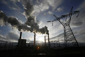 Polacy boją się podwyżek cen prądu. Zwolennicy rządu mniej. Najnowszy sondaż