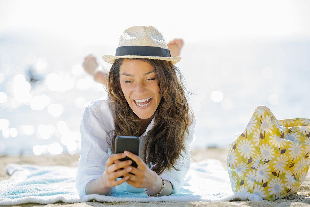 Aplikacje mobilne przydają się na wyjazdach wakacyjnych