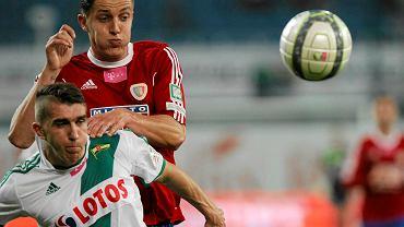 Damian Zbozień (w czerwonej koszulce) w barwach Piasta Gliwice