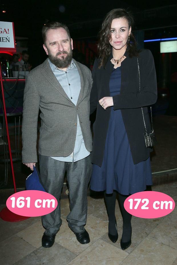 Zdjęcie numer 6 w galerii - Agnieszka Woźniak-Starak jest wyższa od męża prawie o głowę, ale rekordu nie ustanowiła. Te gwiazdy zakochały się w niższych partnerach