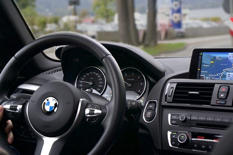 Jak wybrać radio samochodowe?