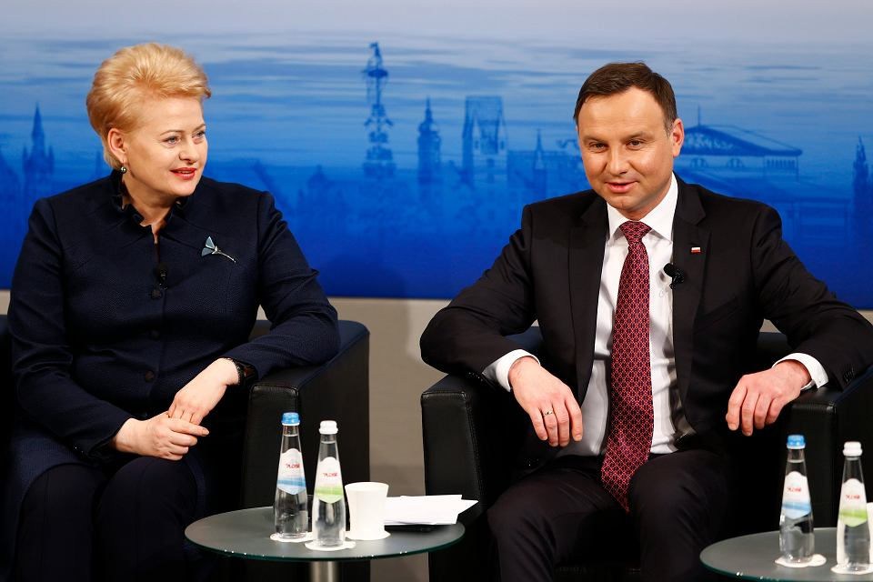 Andrzej Duda i prezydent Litwy Dalia Grybauskaite w Monachium. W kuluarach Konferencji Bezpieczeństwa z prezydentem Dudą chciał rozmawiać wiceprezydent USA Mike Pence