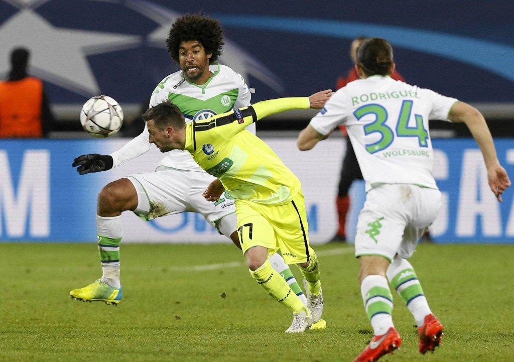 Pierwszy mecz Gent - VfL Wolfsburg. Dante, Danijel Milicević i Ricardo Rodriguez