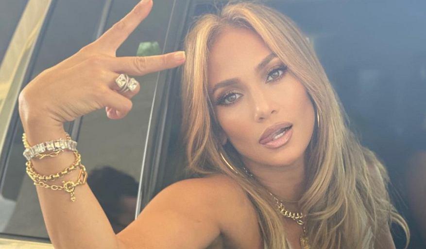Jennifer Lopez pokazała się bez makijażu i doczepionych włosów. Jak wygląda w takiej wersji? (zdjęcie ilustracyjne)