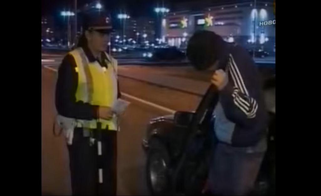 Prowadził samochód po pijaku...w łyżwach