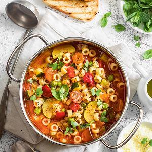 Minestrone - zupa jarzynowa w wersji na lato