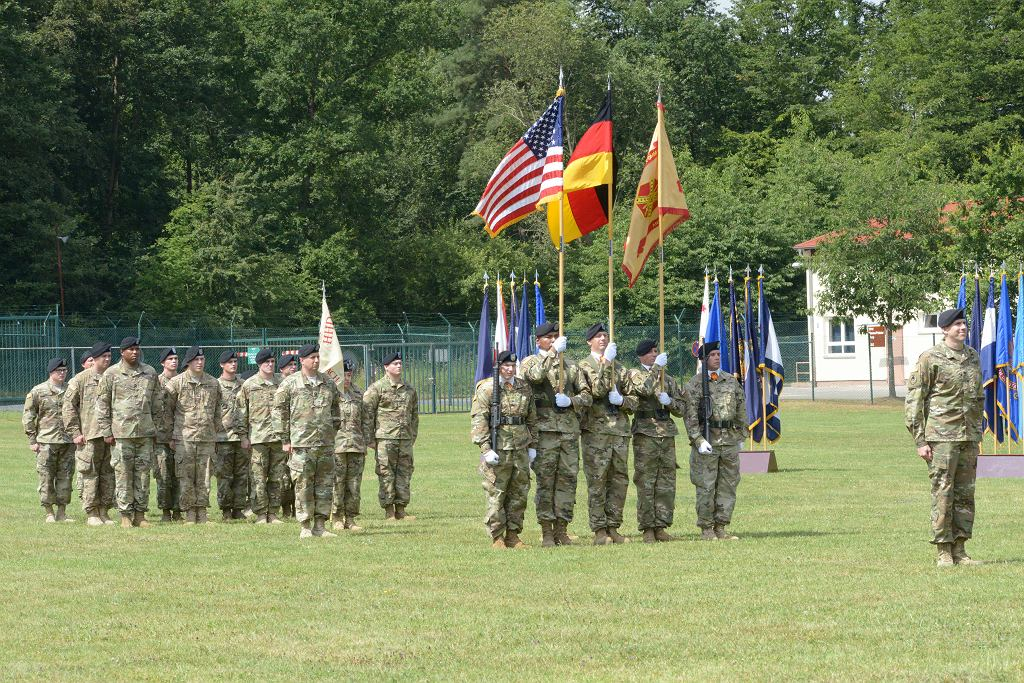 Wojskowa uroczystość w jednym z garnizonów US Army w Niemczech