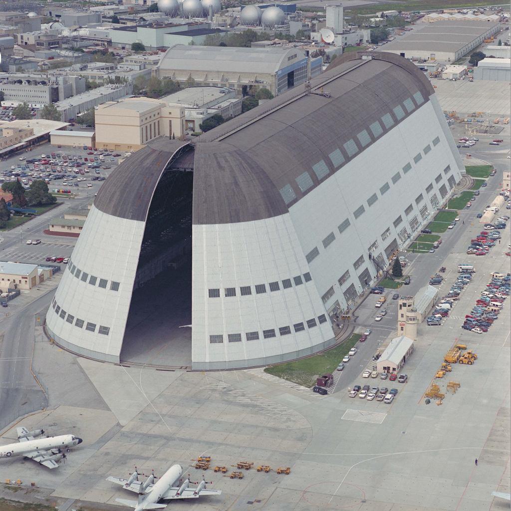 Hangar dla sterowców na lotnisku Moffett